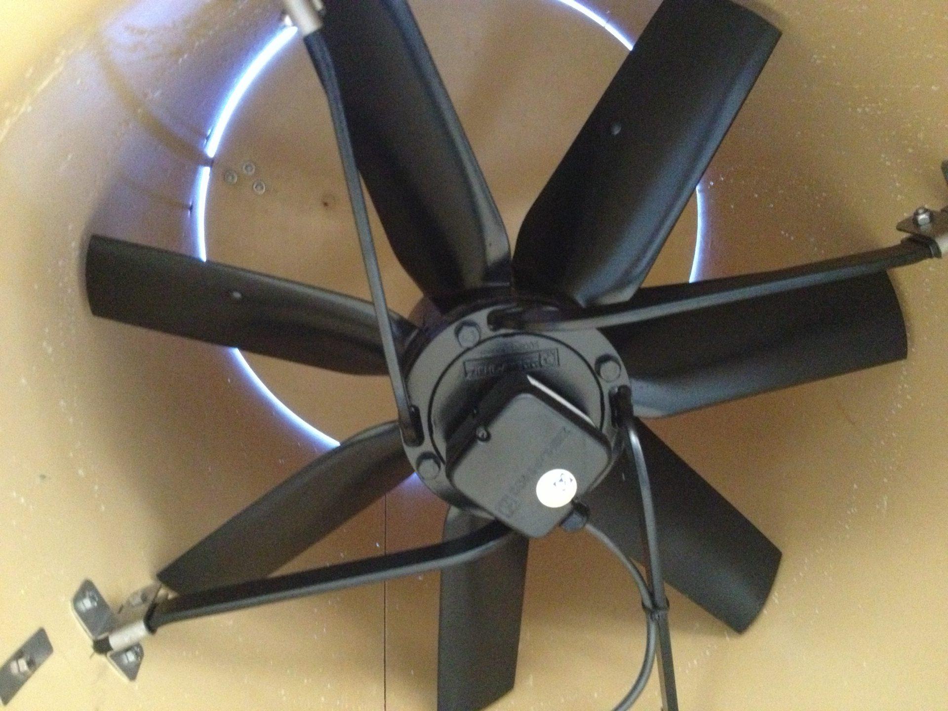Ventilation chimney with fan