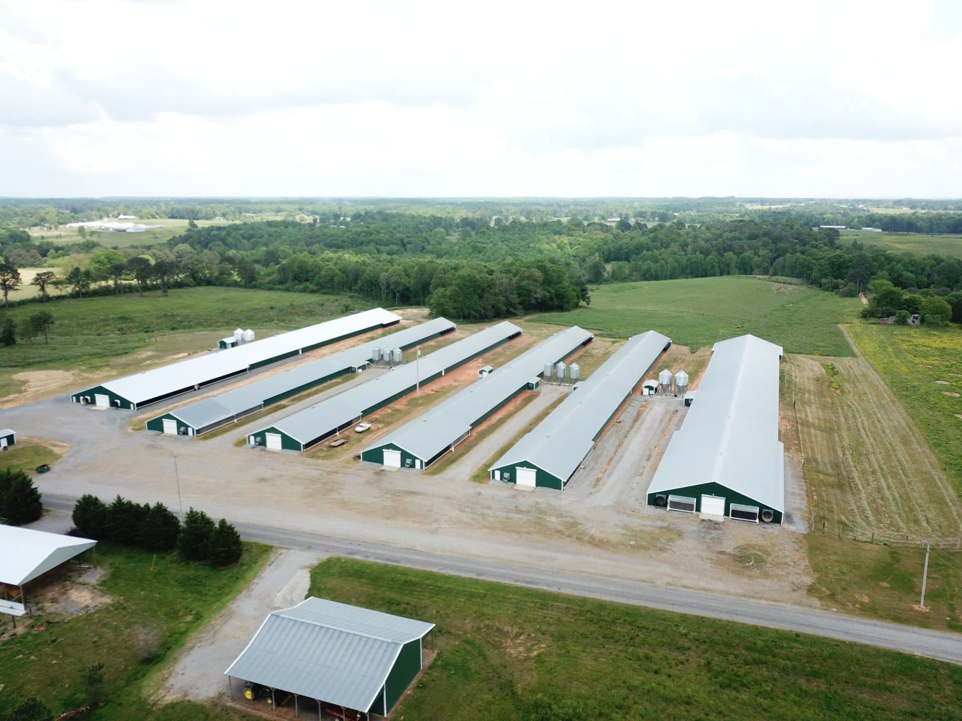 Large poultry house complex